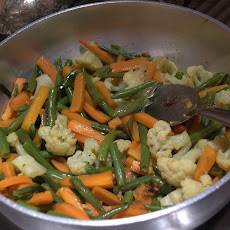 OOLARTHIUTHU (Mixed Vegetable stir - fried in onion – garlic seasoning)