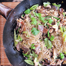Glass Noodles with Chicken and Mushrooms