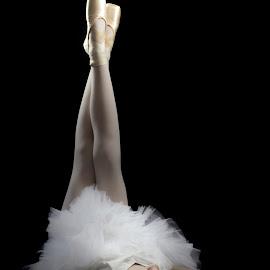 Dreamy ballet by Kelly Murdoch - Babies & Children Child Portraits ( pose, model, ztam photography, female, lady, ballet, dance )