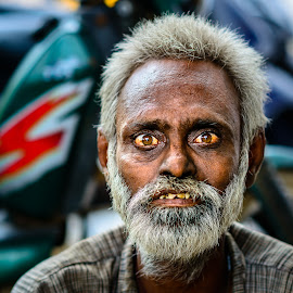 Please take my photo by Armando Bruck - People Street & Candids ( india, man, chennai, eye )