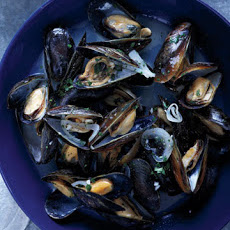 Mussels with White Wine and Butter