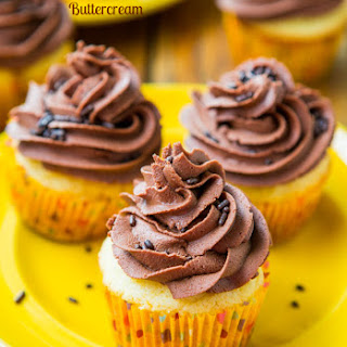 Classic Yellow Cupcakes with Chocolate Buttercream Frosting