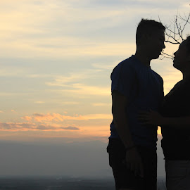 Sunset Love by Alexis Fante - People Couples