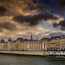 Screaming clouds..!! by Kshitij  Saxena - Buildings & Architecture Public & Historical ( clouds, paris, warm, siene, concergerie )
