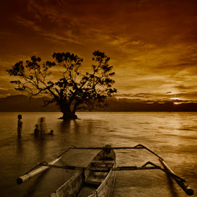 UNTITLED by Hajar Wisnu Dwiputra - Landscapes Sunsets & Sunrises