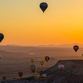 Hot air balloons by Stefania Loriga - Landscapes Mountains & Hills ( sunrise, turkey, balloons, sun, cappadocia )