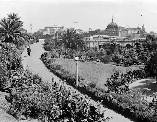 Alexandra Gardens, c. 1900.