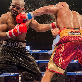 Truax vs. Ennis.  ESPN Friday Night Fights in Chicago by Mike Bacos - Sports & Fitness Boxing