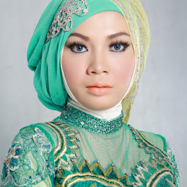 Beauty Girl by Sigit A. Nugroho - People Fashion ( fashion, makeup, beauty, hijab, photography )