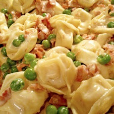 Tortellini With Garlic Cream Sauce