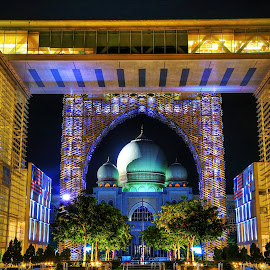 Putrajaya Palace of justice by William Wong - Buildings & Architecture Other Exteriors ( nightshot, putrajaya )