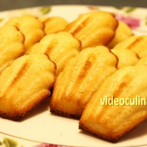 Madeleines (French small cakes)