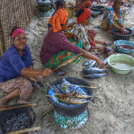 by Matty Gott - People Street & Candids ( indonesia, cooking, selong balanek, lombok )