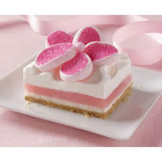 Strawberry Creme Bars with StrawberryMallows Flowers