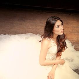 duduk2 by Jhonny Yang - Wedding Bride