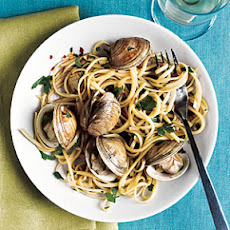 Spiced-Up Linguine with Clams