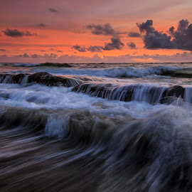 The Wave by Dek Seplo - Landscapes Waterscapes