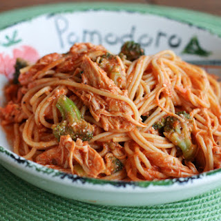 Creamy Crock Pot Chicken Spaghetti with Broccoli