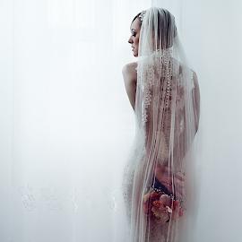 bride by Dejan Nikolic Fotograf Krusevac - Wedding Bride ( kraljevo, aleksandrovac, novi sad, jagodina, snasa, krusevac, beograd, kragujevac, vencanica, mlada, bidermajer, fotograf )