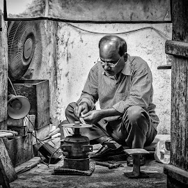 by John Medel Tan - People Street & Candids ( #portrait, #blackandwhitephotography,  )