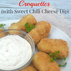 POTATO AND CHICKEN CROQUETTES WITH SWEET CHILI CHEESE DIP