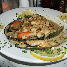 Mussels in Green Sauce Madrid Appetizer