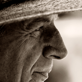 the worker by David Ubach - People Portraits of Men ( portrait, man, profile, hat )