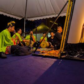 Wayang Kulit by Ken Kent - People Musicians & Entertainers ( kelantan, lampu, putarjaya, kulit, wayang )