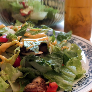 Easy Sriracha Salad Dressing