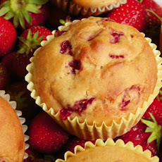 Delicious Low-Fat Strawberry Banana Muffins