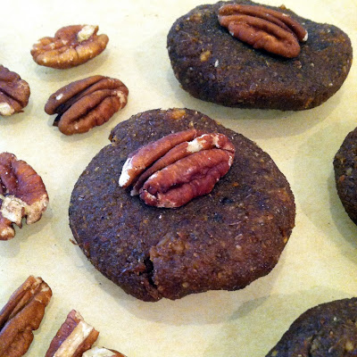 No-Bake Pumpkin Pecan Cookies