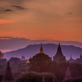 Temples of Bagan by John Einar Sandvand - Buildings & Architecture Places of Worship ( myanmar, bagan )