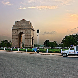 India Gate by Jayant Toppo - Buildings & Architecture Statues & Monuments ( mradul phathak, sanjna roy, jayant toppo, inaya khan, vivek kumar, india )