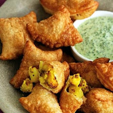 Mildly Spiced Vegetable Samosas