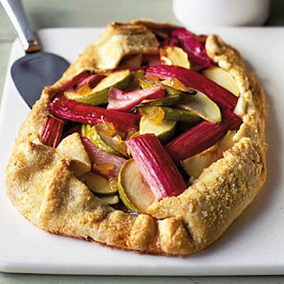 Rhubarb, Ginger & Apple Scrunch Pie