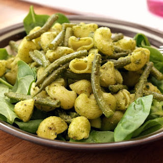 Pesto Pasta Salad With Green Beans & Spinach
