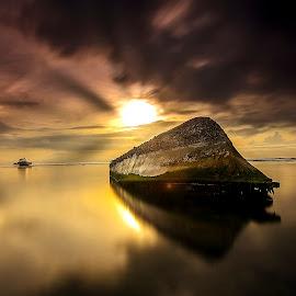 Sunny Side down by Ade Irgha - Transportation Boats ( explore bali, airimagebali.com, sunny day, sunrise, boat )