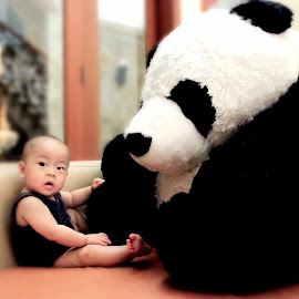 for real!!!!!? by Nikolas Yohanes - Babies & Children Babies ( bear, panda, funny, children, baby, cute, photo )