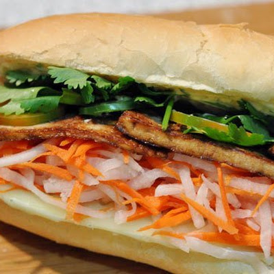 Bánh Mì with Lemongrass Tofu