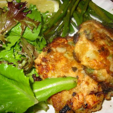 Salmon Cakes With Creamy Sauce
