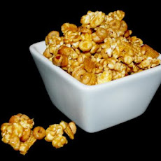 Popcorn Snacking Mix
