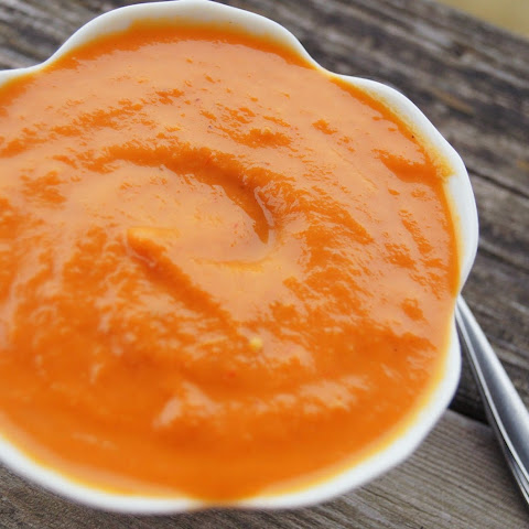 Creamy Roasted Tomato and Red Pepper Soup