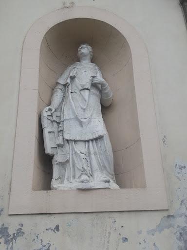 Statue Au Lamentin