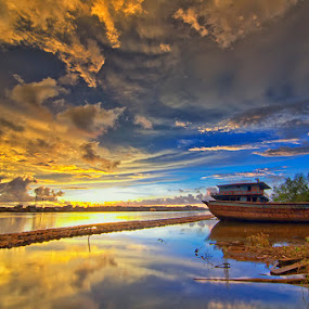 Kilang by Eris Suhendra - Landscapes Sunsets & Sunrises ( clouds, waterscape, sunset, factory, kalimantan, landscape, nikon,  )