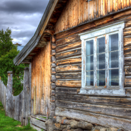 Old farm by  Maesel  leseaM - Buildings & Architecture Homes ( highland, farm, fence, wooden, window, hdr, house )
