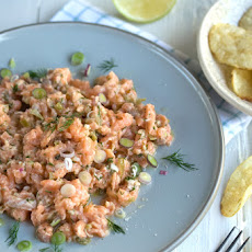 Salmon Tartare With Home-style Potato Crisps