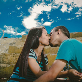 Under the blue sky by Mario Christian Micabalo - People Couples ( mariomicabalophotography,  )