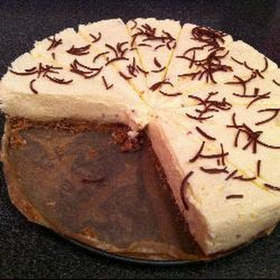 Creamy White Chocolate Cheesecake