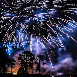 Fireworks by Yasser Ayad - News & Events Entertainment ( bright, dark, fireworks, night, slow shutter,  )