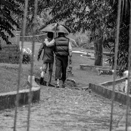 Sharing, That's what makes us human by Puneet Rane - Novices Only Street & Candid ( #nature, #candid #blackandwhite #rainyday #chikmagalur )